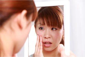 生理前に肌トラブルが起こりやすいのはなぜ?