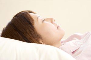 美容面から考える「枕の選び方」とは