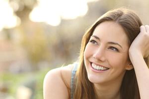 顔のタイプで老け方が違う!? 表情筋を鍛えて老化を防止