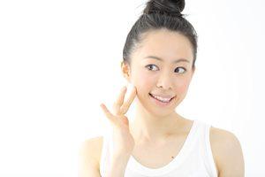 老け顔を作る「頬の毛穴の開き」! 原因とケア方法