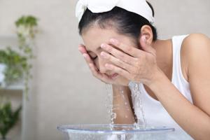 あなたの肌はどれ? 肌タイプで違う朝の洗顔方法