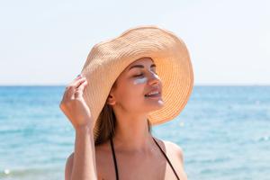 紫外線を浴びても間に合う!? 正しい日焼けケアでシミ予防