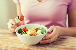 自己流は危険! 糖質制限ダイエットの落とし穴と正しい方法