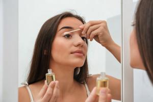花粉症とも関係あり! まつ毛の正しいケア方法