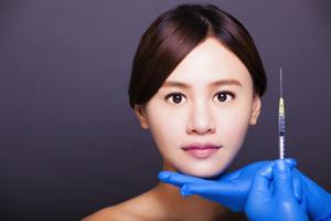 どちらを選べば小顔になれる? 「BNLS注射」と「ボトックス注射」の違い