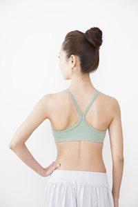 背中の筋肉を鍛えて姿勢を美しく保つ方法
