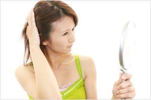 女性に多い「びまん性脱毛症」って?