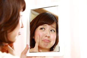 脂性肌の原因は食生活? 脂性肌を改善する食生活とは?