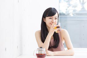 ニキビケアにも最適! 美肌効果が期待できる「お茶」6選