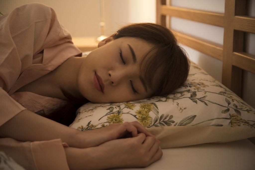 美肌のゴールデンタイムは嘘? 就寝時間より質を大切にしよう