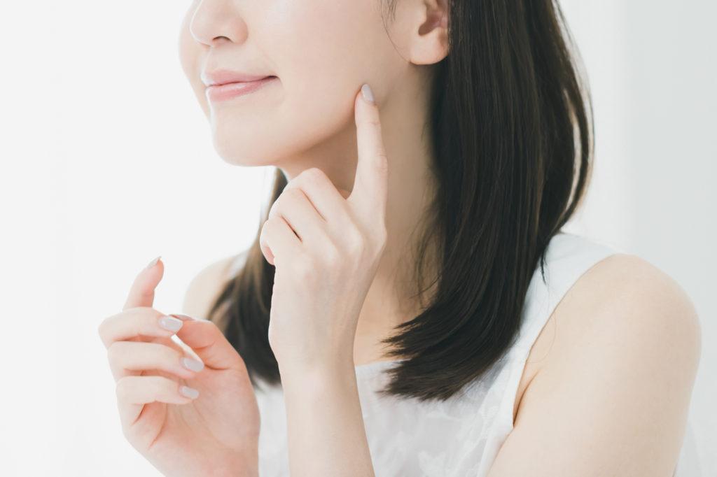 シャープな小顔をゲット! 「エラ張り顔」を改善する美容治療とは