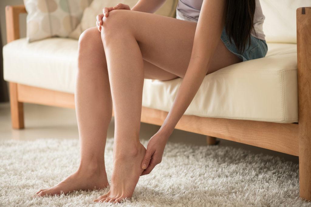 脚のむくみ解消に効果的な栄養素5つ&お勧めの食べ物