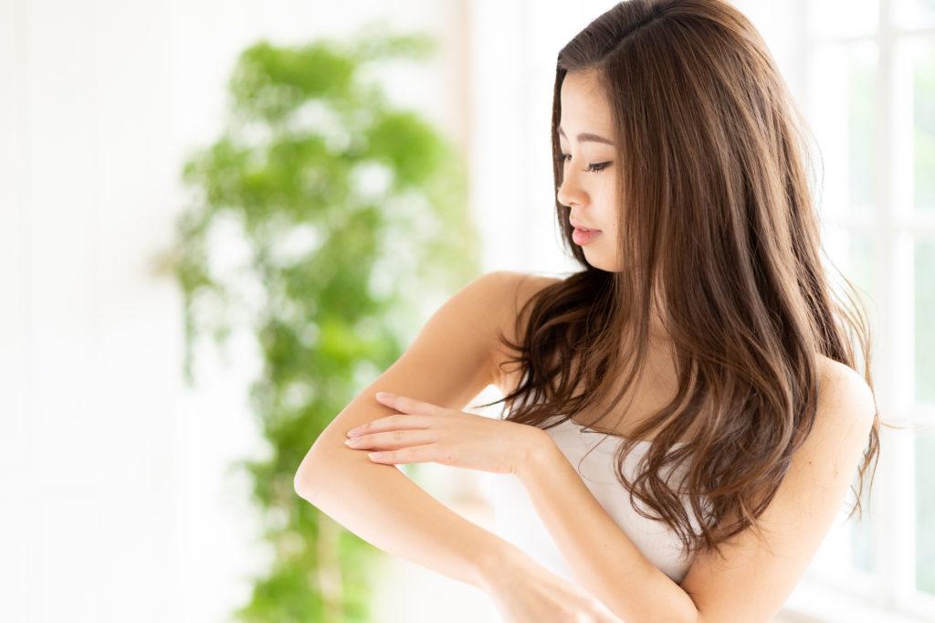 医療レーザー脱毛はどのくらい痛い? 痛みを軽減する方法は?