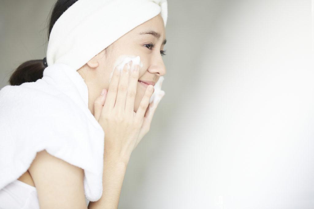 洗い方で肌は変わる! 敏感肌トラブルを防ぐ洗顔のポイント