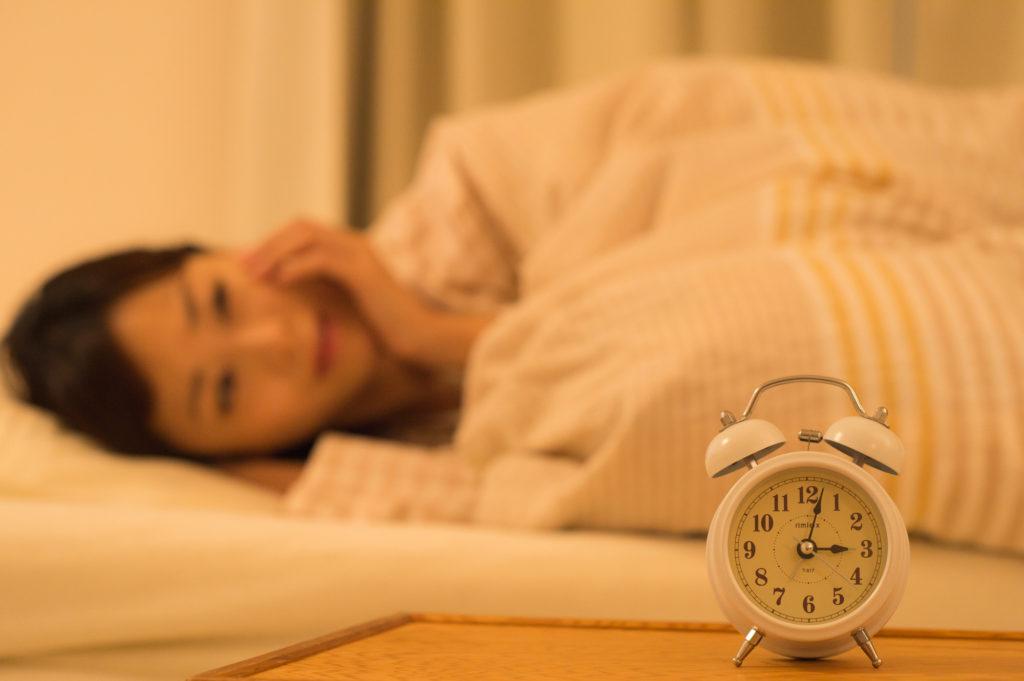 眠れない夜はつらい…… 寝つきの悪い日に使いたいワザ