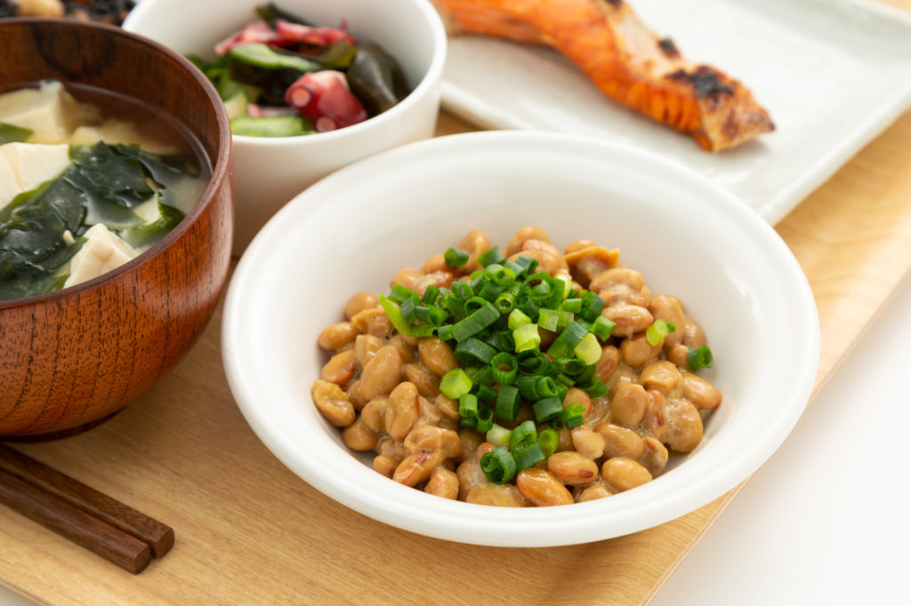 間違えると損! 「納豆」の美容効果を高める食べ方
