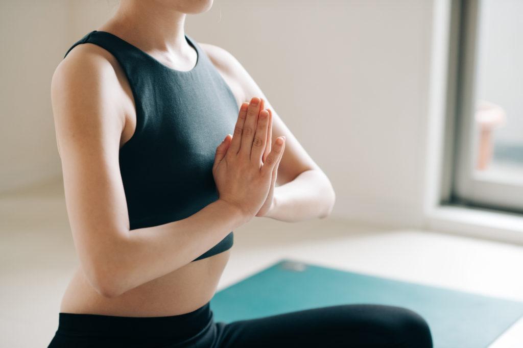 息を吸うだけで美容効果が! 腹式呼吸の正しい方法