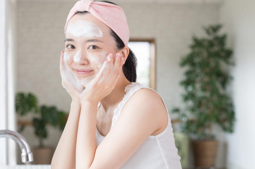 テカリ・カサつきを改善! 混合肌のための「洗顔」テクニック