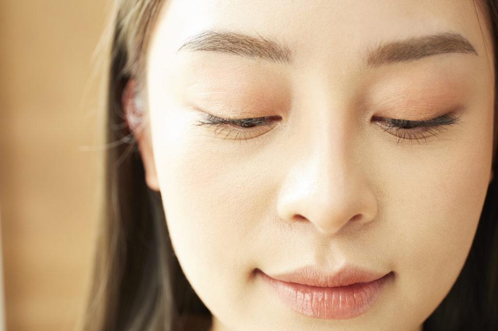 鼻のテカリはなぜ起こる? サラサラ美鼻を保つコツとは