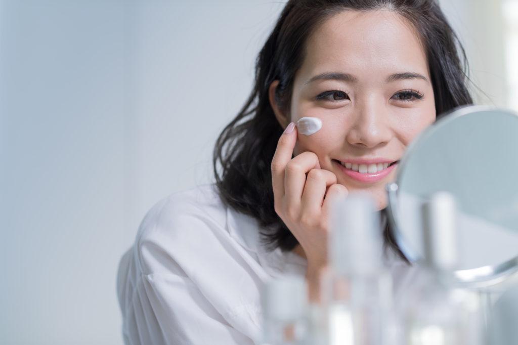 肌の乾燥がつらい…… 秋から行う乾燥予防&ケアとは