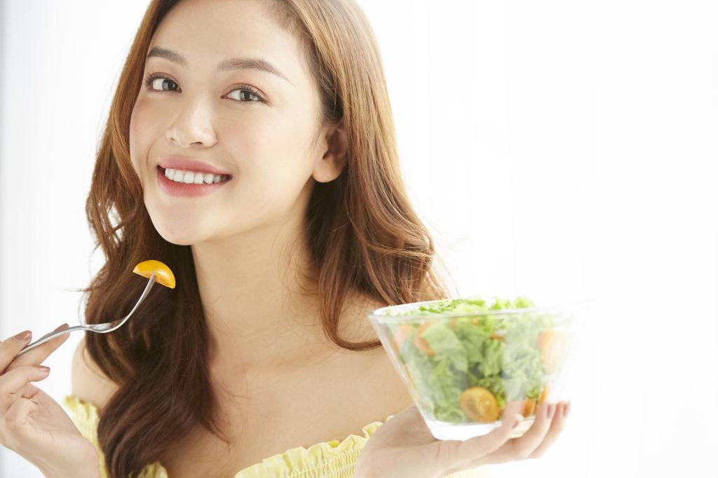 ダイエット中に食べて良いもの・避けるべきものとは? 食事のポイントもご紹介