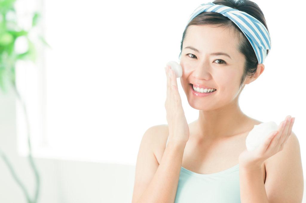 洗顔で肌の透明感を取り戻そう! 効果的なアイテム・方法とは