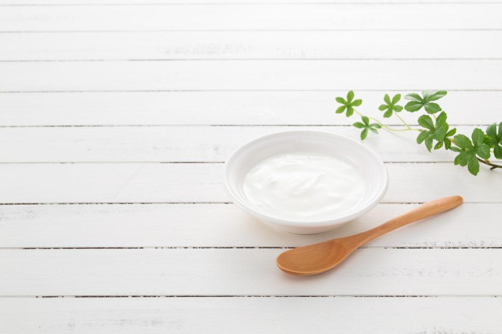 ヨーグルトは夜食べるのがお勧め! その理由と効果的な食べ方をご紹介