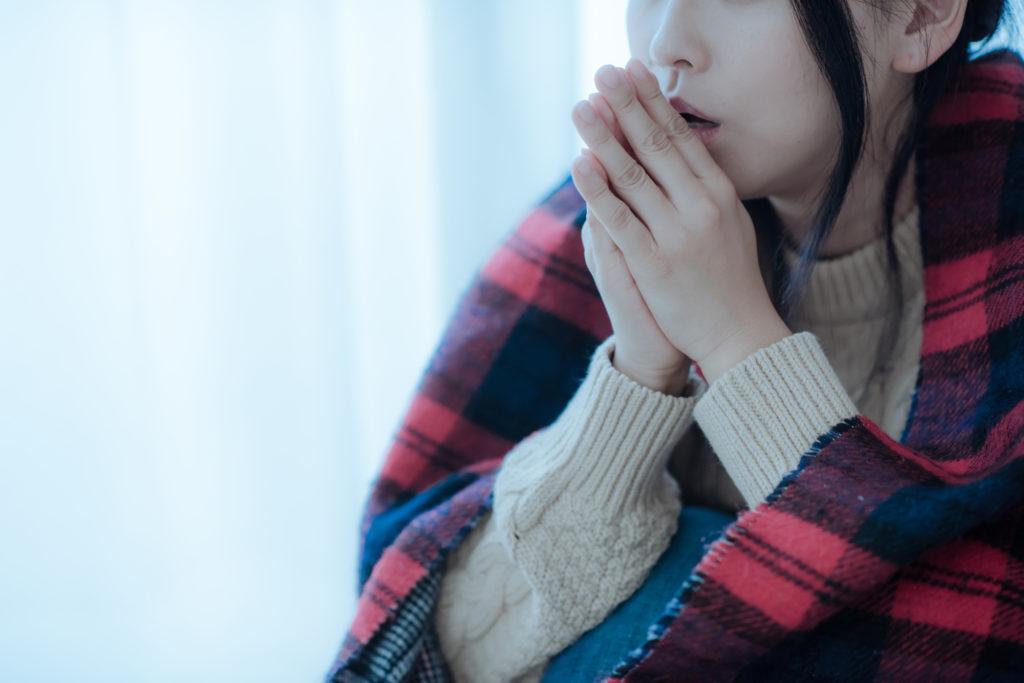 老けて見える原因は顔冷え? 寒い時期に注意したい顔冷えの対策方法